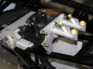 kh6wz 017-coupe pedal box