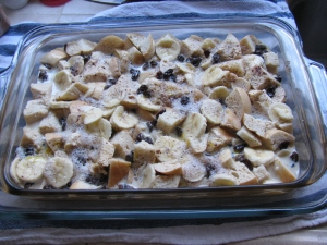 KH6WZ Bread Pudding with Bananas, Raisins and Chocolate Chips - ready for the oven