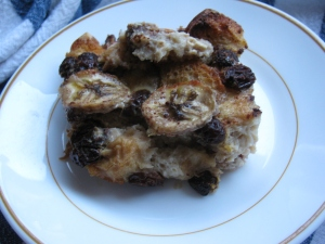 KH6WZ Bread Pudding with Bananas, Raisins and Chocolate Chips - I wish I had some ice cream to go with this puddin'