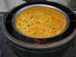 IMG_0610 wayne yoshida paella boiling